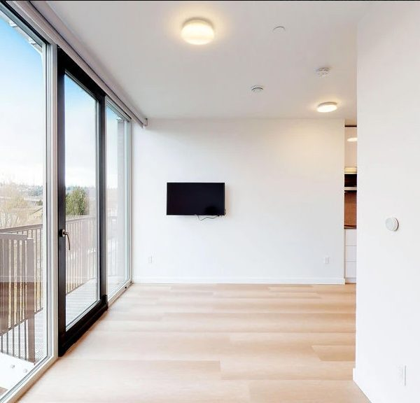 Interior BW1